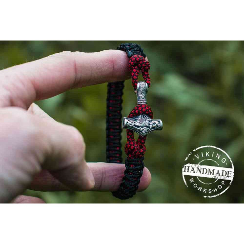 Paracord Bracelet with Silver Plated Mjolnir (Black+Red dotted)